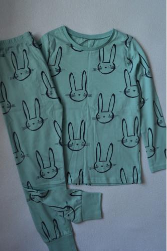 Голуба піжама із зайчиками